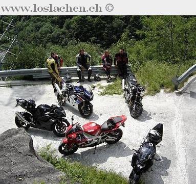 """Besuch bei der Aktion """"Superbiker"""" gegen Motorradunfälle…"""