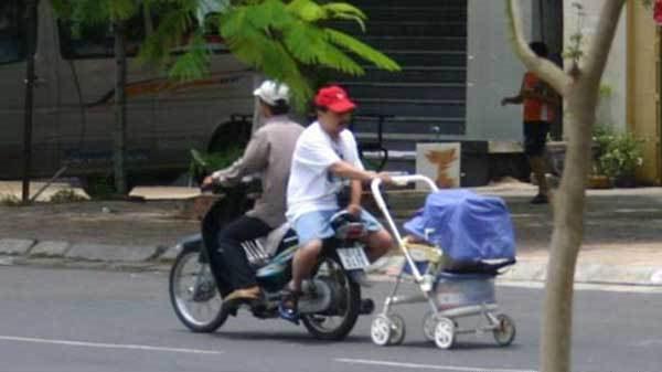 Wenn Mann mit Kind spazieren geht