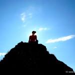 Silvia auf dem Fels Obermutten
