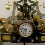 Alte Uhr im Chateau